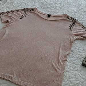 BRONZE BEADED LIGHT PINK T SHIRT WITH STUDS